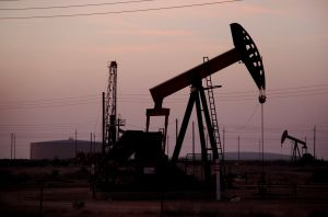 752981_oil_pumps.jpg