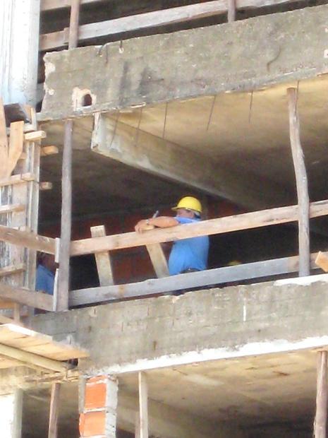 constructionworkers1.jpg