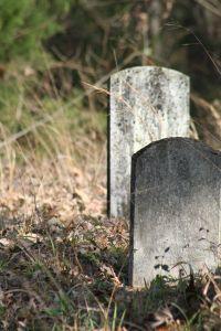 gravestones-951616-m.jpg