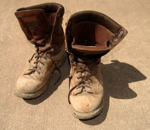 old-worn-out-boots-1013579-m-300x261