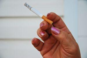 smoking-1212896-m.jpg