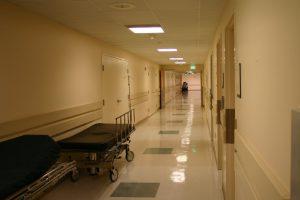 hospital-6-1518170-300x200